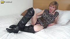 Horny Dutch mature granny playing with her wet pussy